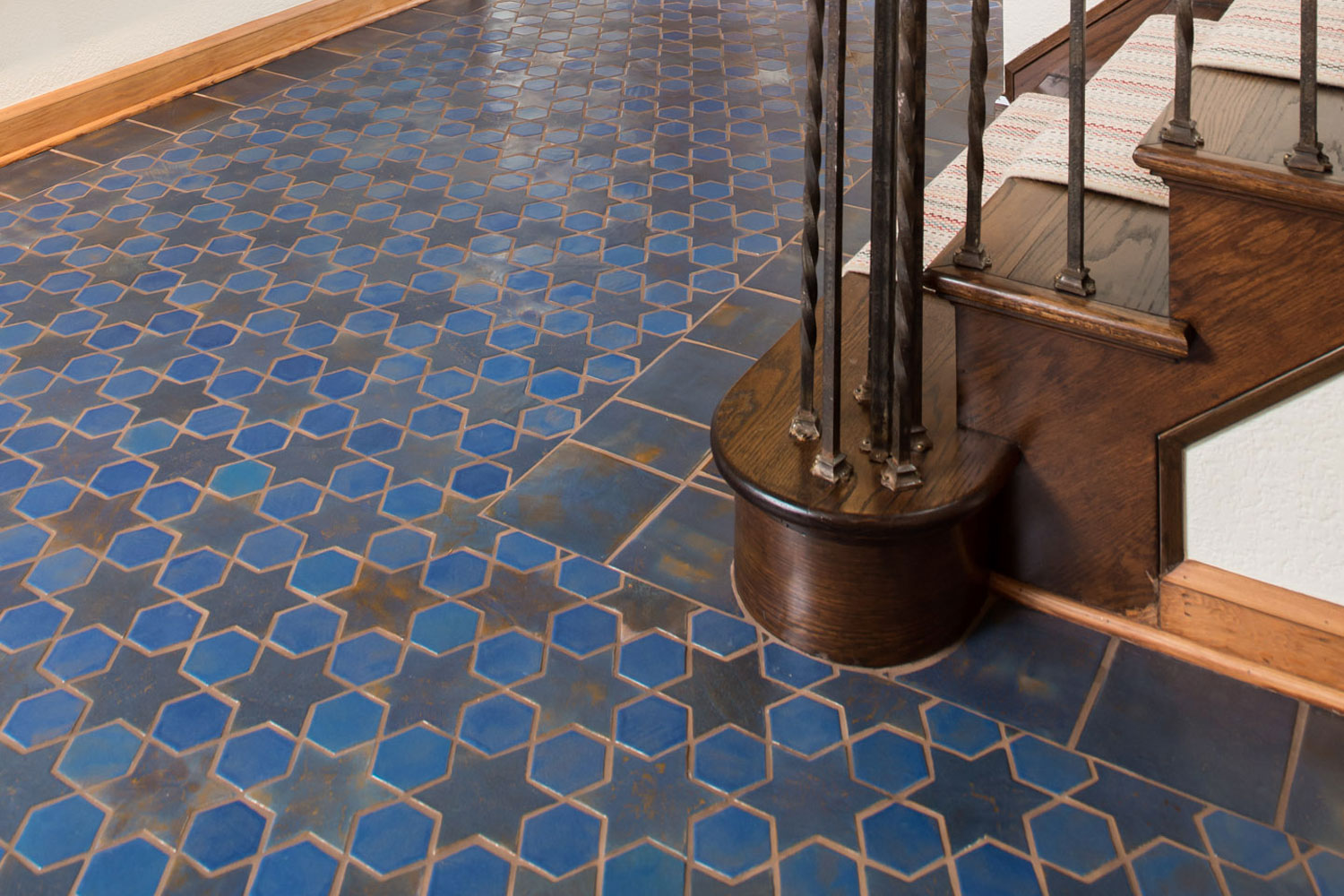 Antique Ceramic Mosaic Tiles For Kitchen Living Roof and Bathroom