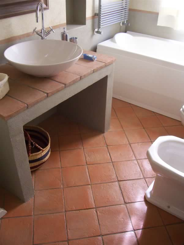 Pak Clay Cheap Price Near Bathtub Toilet Bathroom Ceramic Terracotta Floor Tiles Design in Faisalabad Pakistan Images