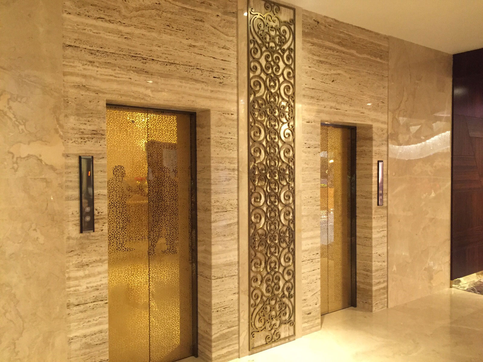 Pak Tiles ivory tumbled travertine wall tiles in islamabad